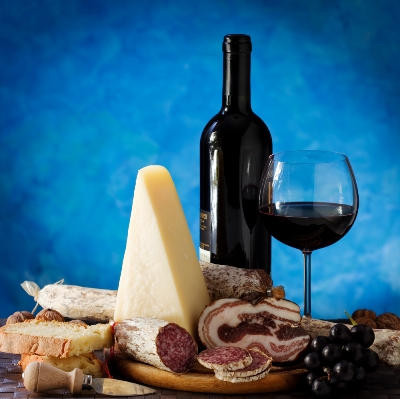 χρόνια κνίδωση - wine-and-cheese-histamine-licensed